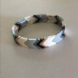 Chevron tile bracelet gray white black